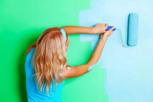 Как красить стены краской