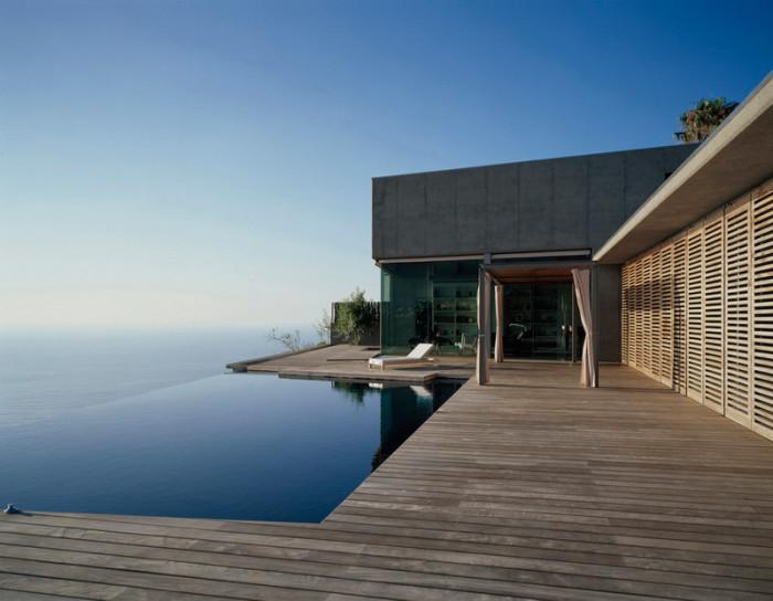 дом на берегу моря фото